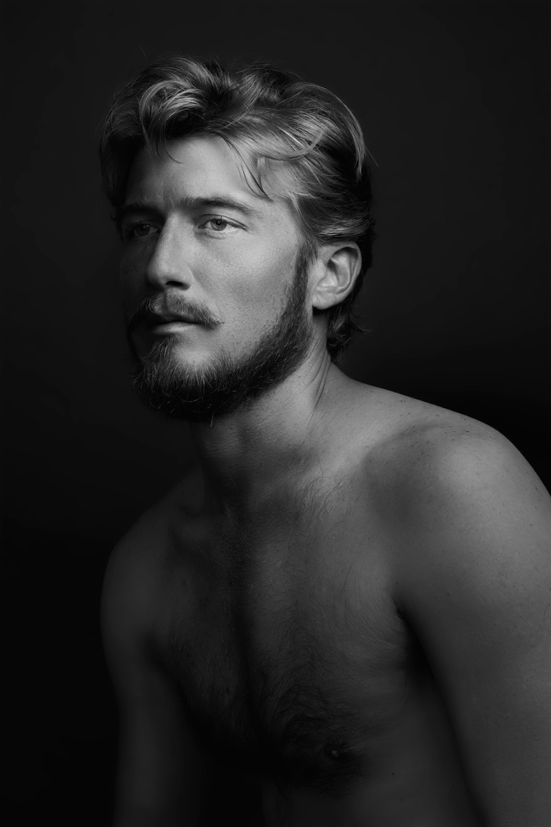 Male model photo shoot of miccar