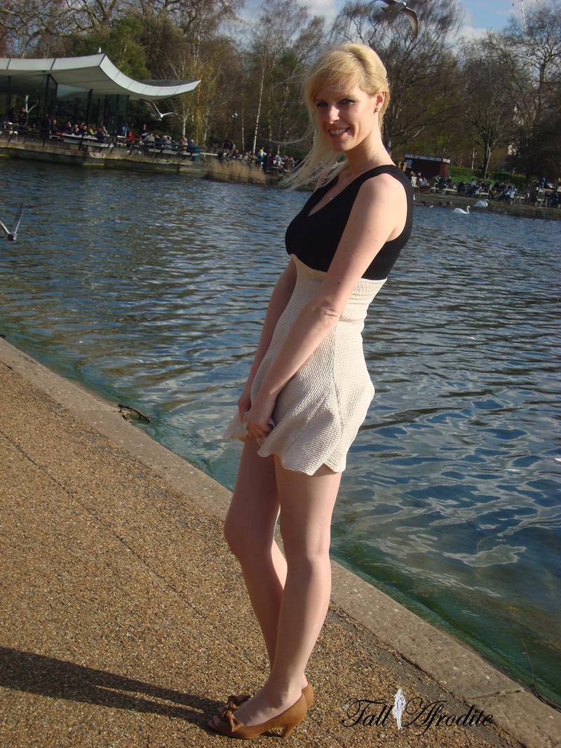 Female model photo shoot of Tall Afrodite in London Hyde park