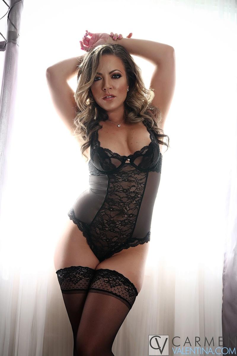 Female model photo shoot of Carmen Valentina