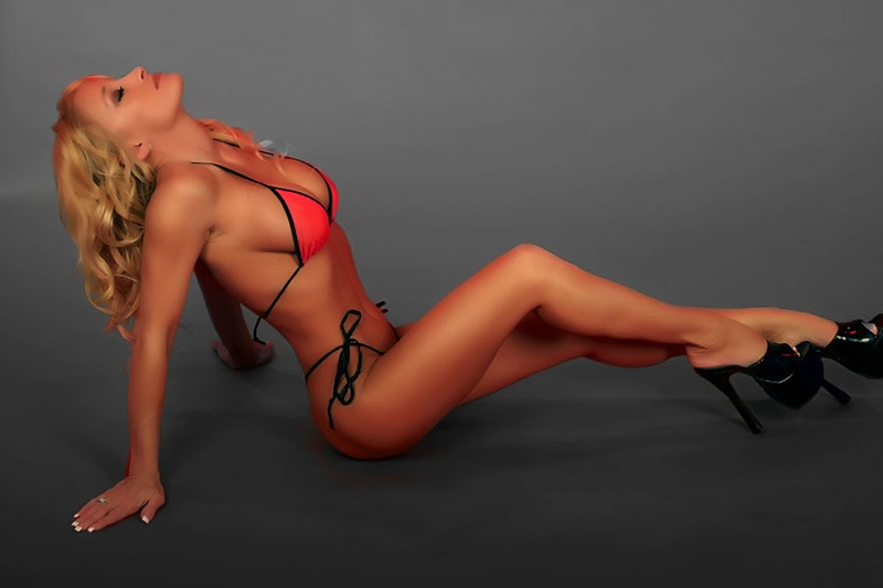 Female model photo shoot of Heather Kennedy