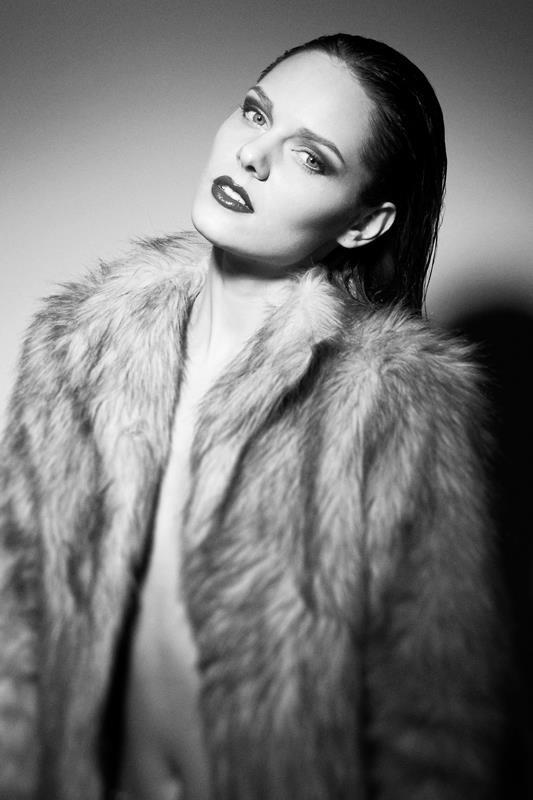 Female model photo shoot of Greta Savic