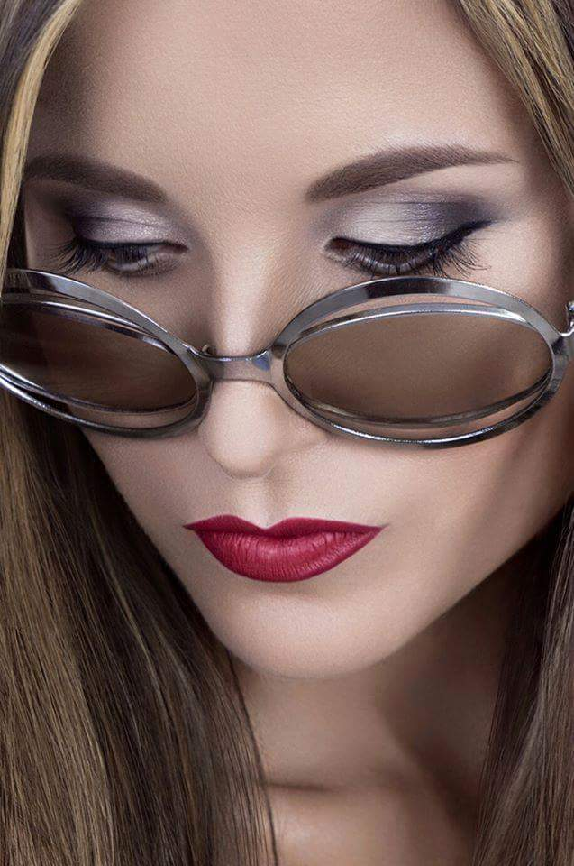 Female model photo shoot of kitt-e-kat