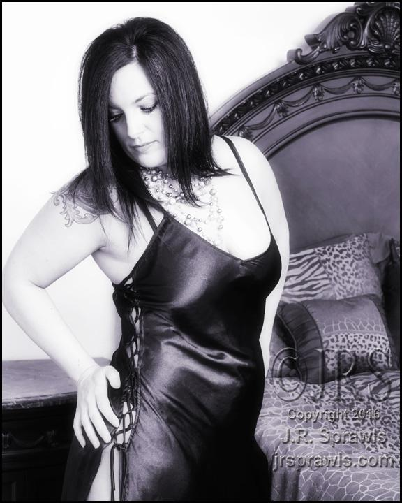 Female model photo shoot of Lil77