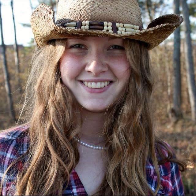 ScarletScares Female Model Profile - Pembroke, Ontario