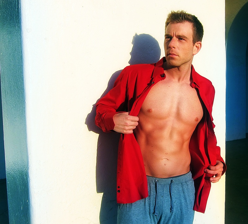 Male model photo shoot of Mike Hendrickson