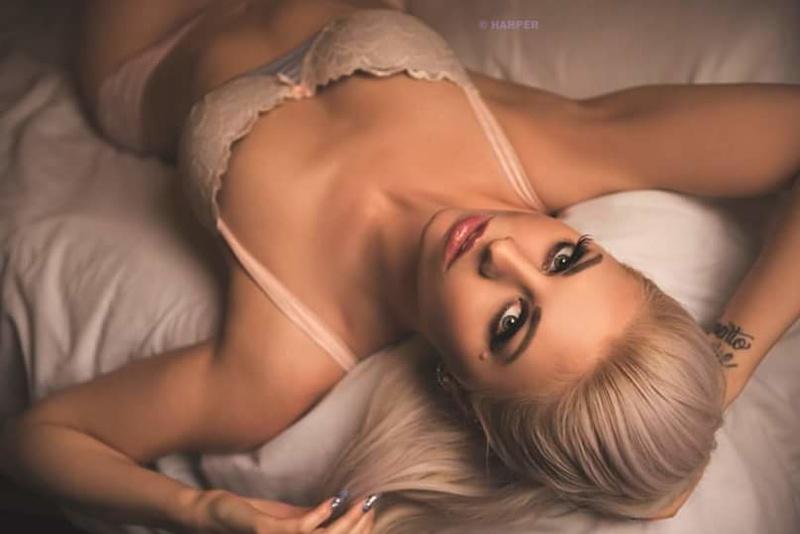 Female model photo shoot of Loriel Andrea