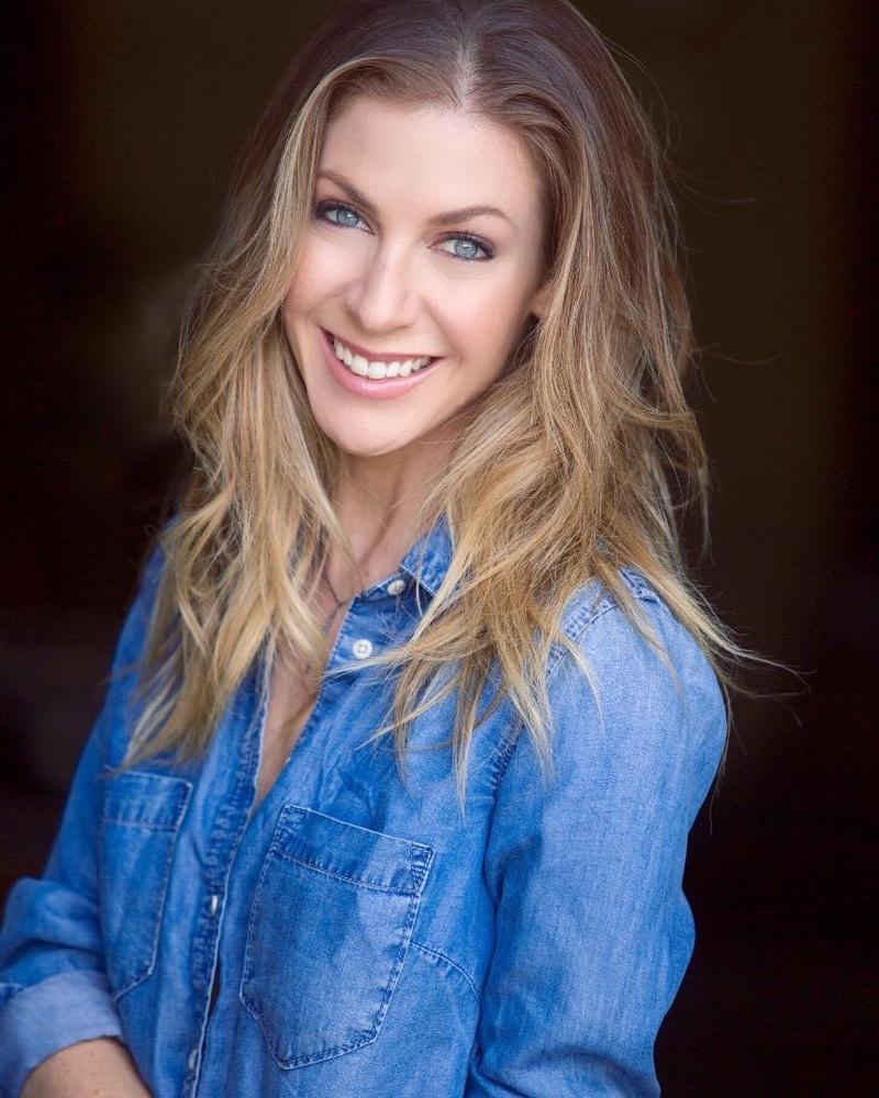 Female model photo shoot of Ashley Mandy