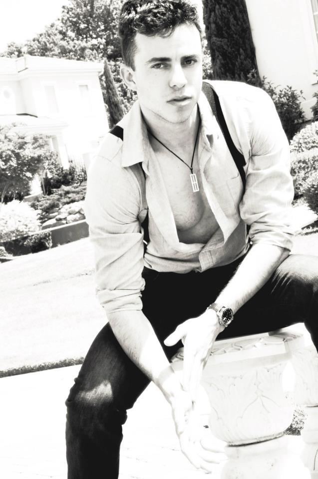 Male model photo shoot of marcbrian514
