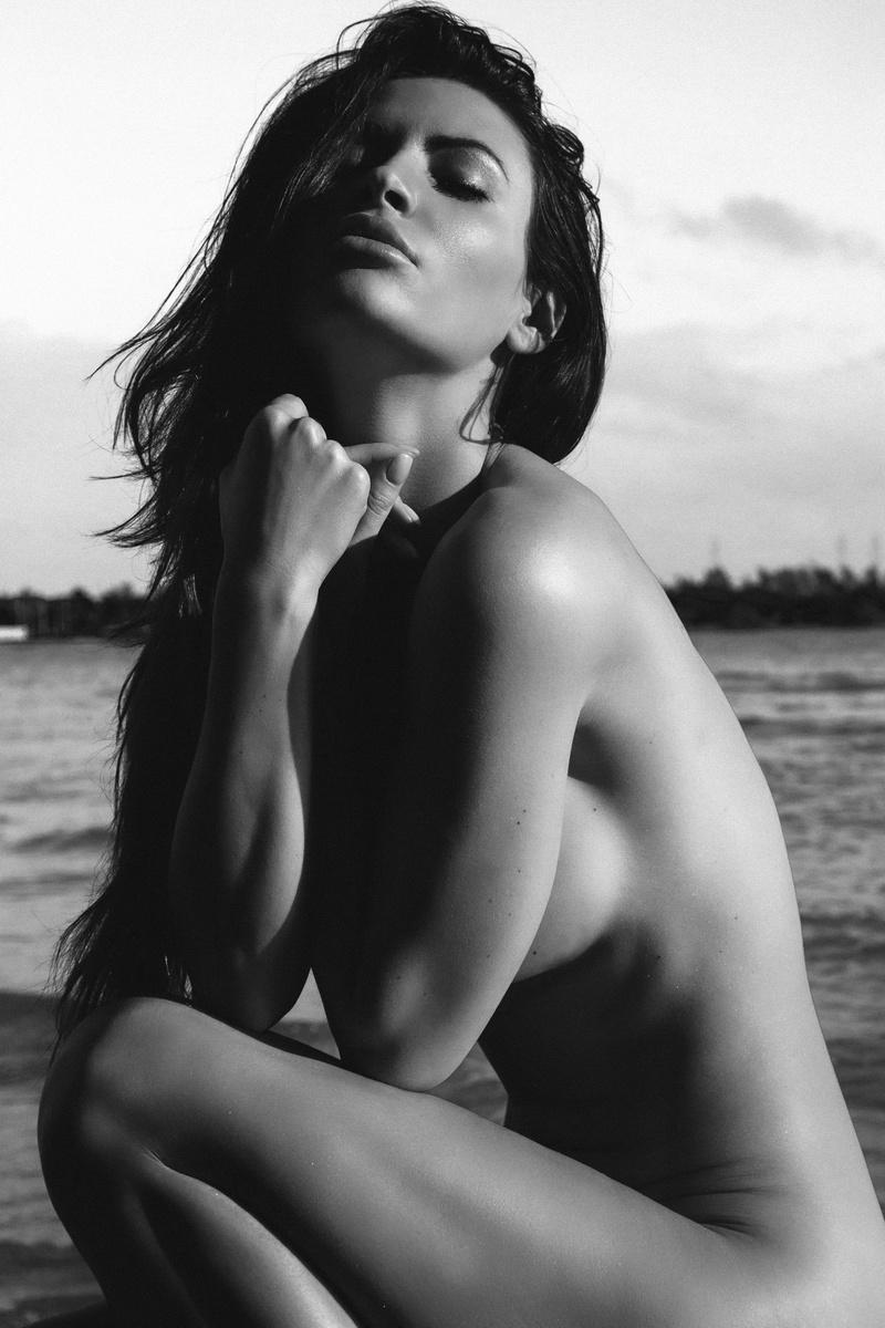Male and Female model photo shoot of Renaud Lucas and Karolina Wozniak by Renaud Lucas in Miami