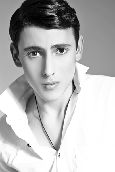 Male model photo shoot of Raoul Terry