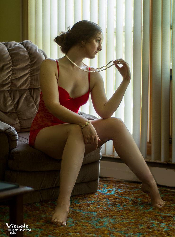 Female model photo shoot of KittenRae1