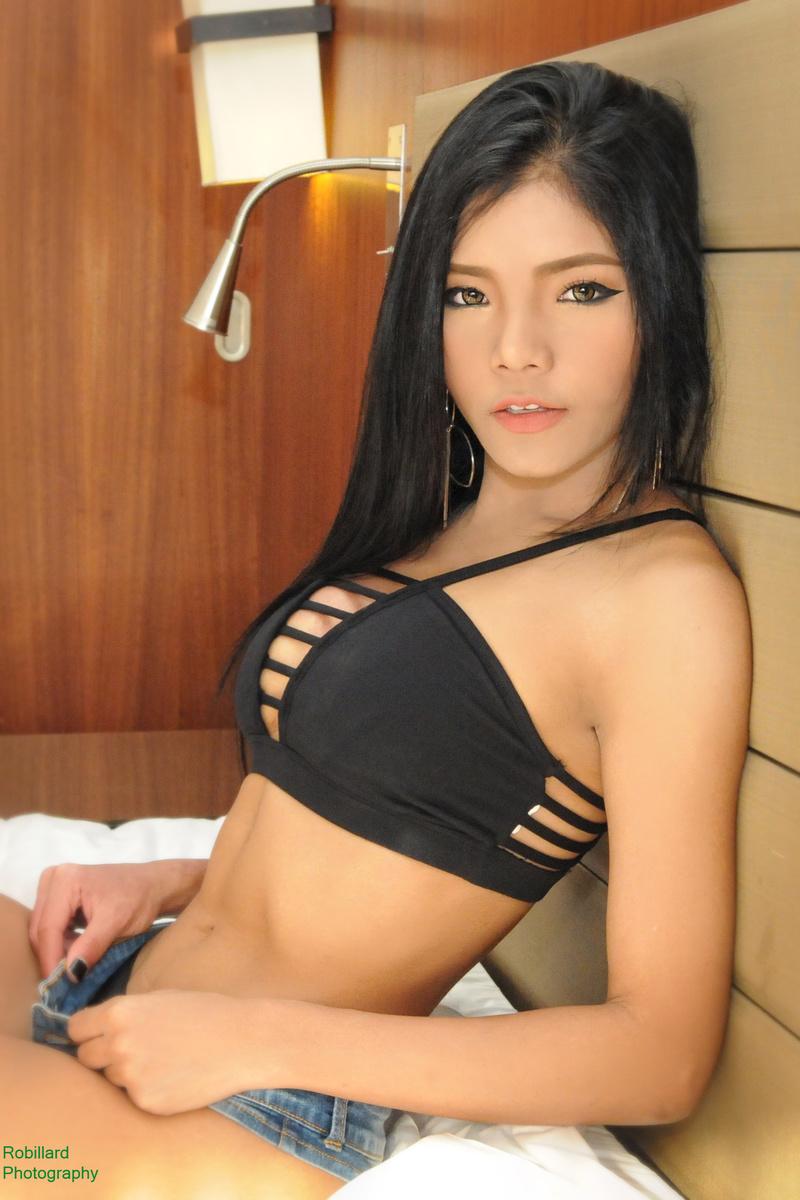 http://photos.modelmayhem.com/photos/160801/11/579f911c091b1.jpg