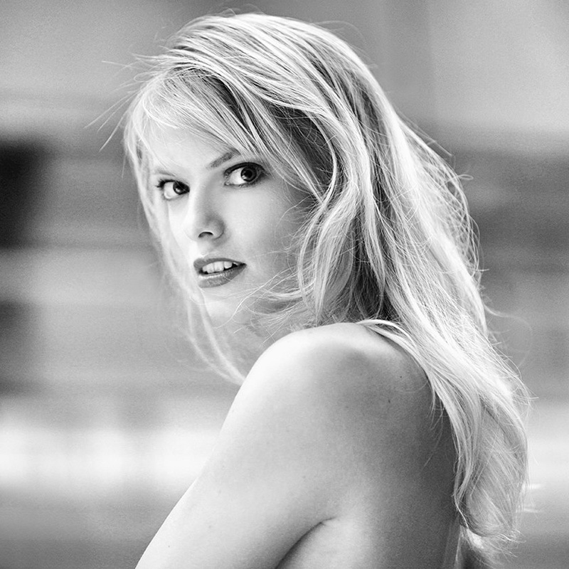 Female model photo shoot of dancaa