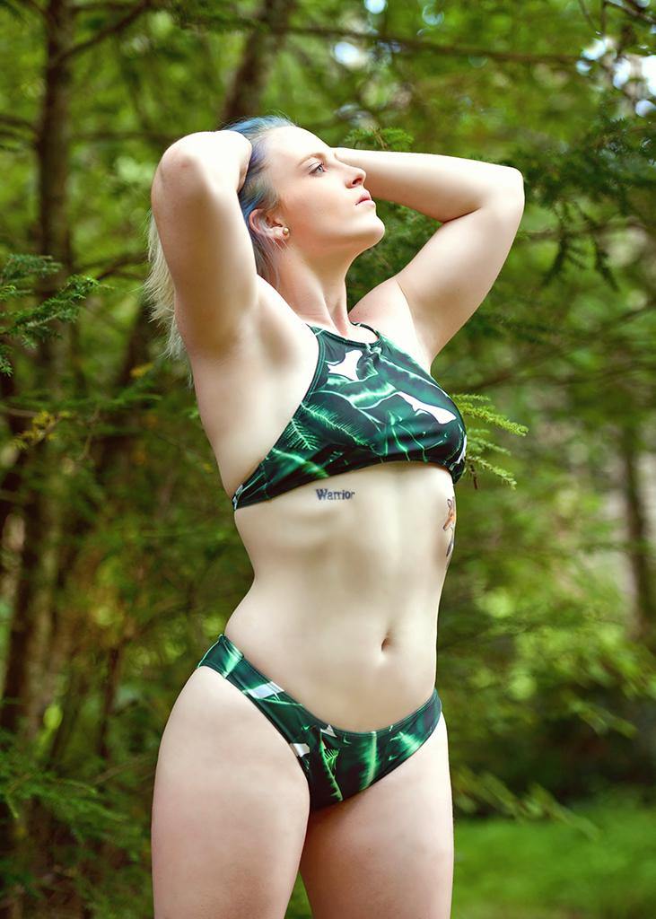 Female model photo shoot of Tessalouise