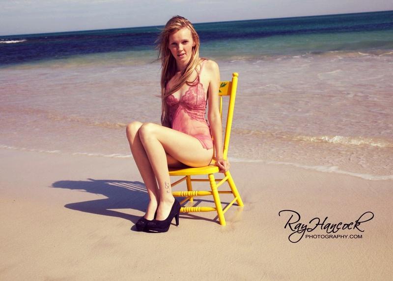 Female model photo shoot of 19kristiechadz96