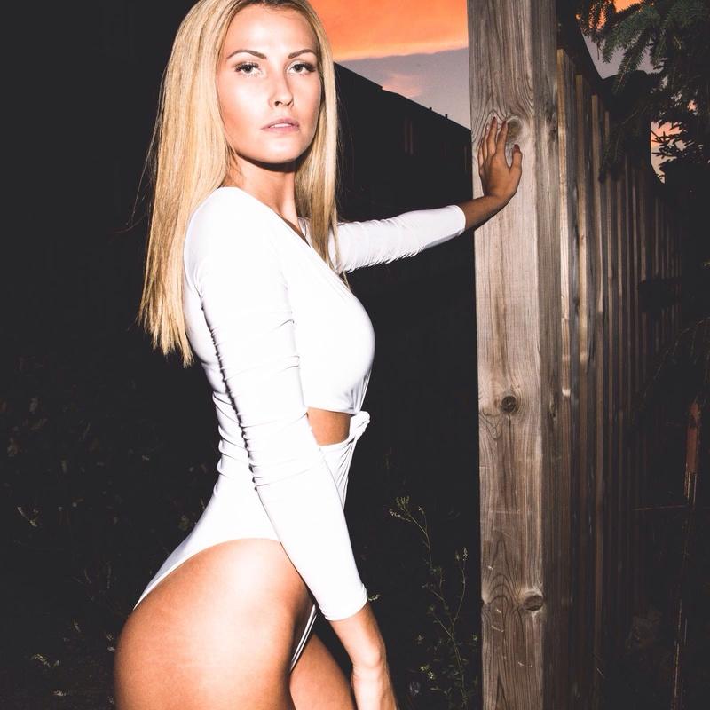 Female model photo shoot of MissIconic