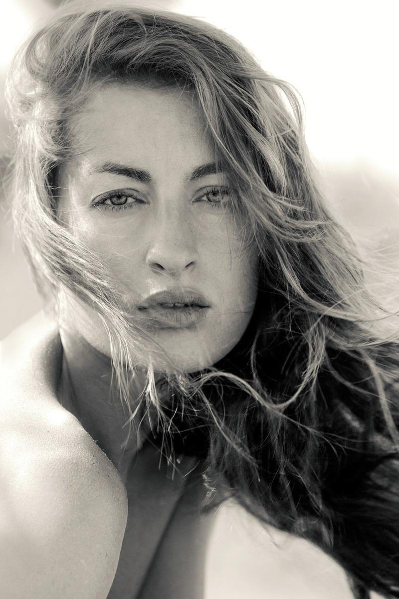 Female model photo shoot of Tati Kurkina
