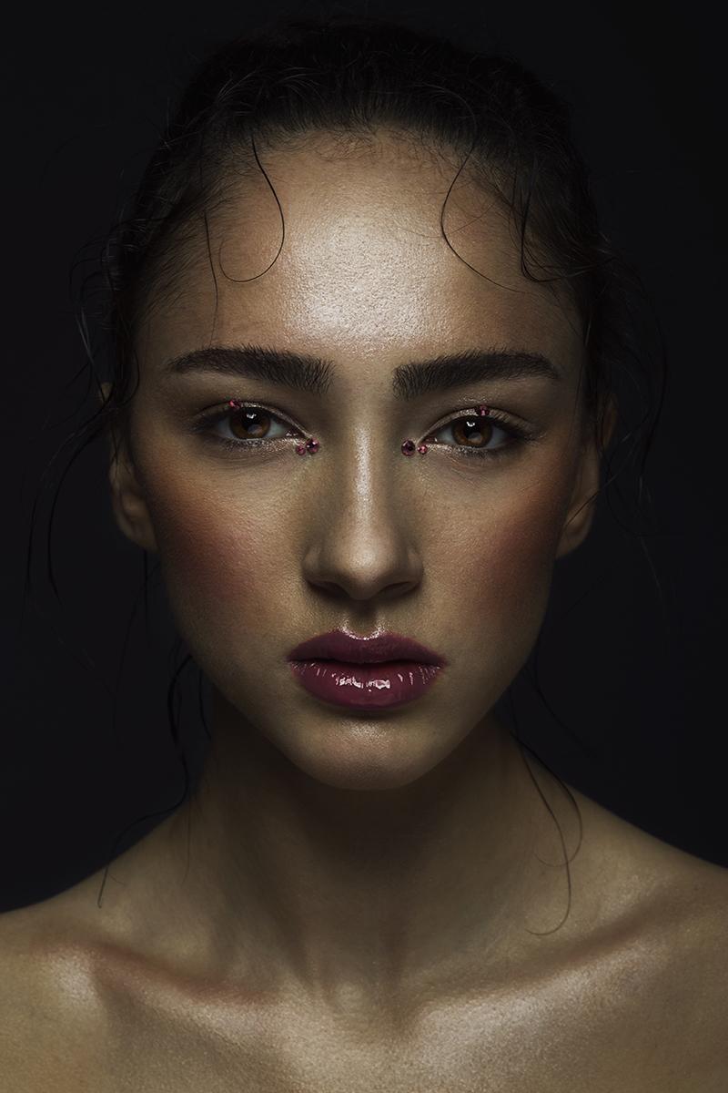 Female model photo shoot of IdontKnowIForgot