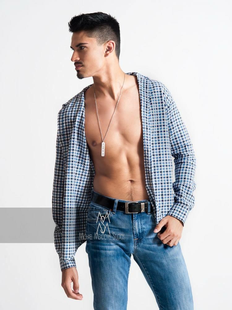 Male model photo shoot of dlgarcias