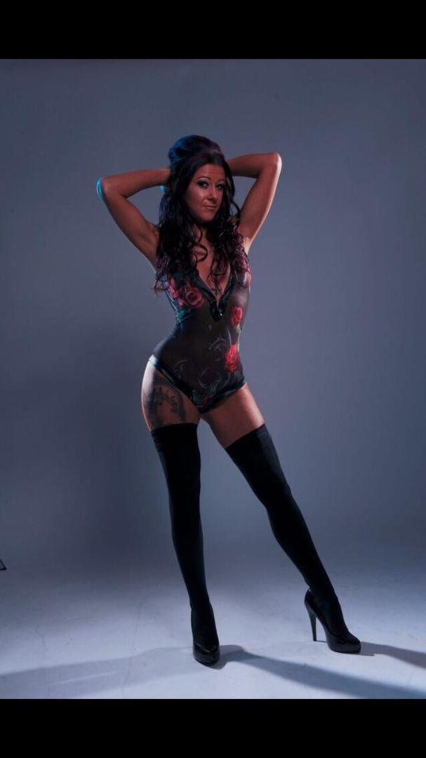 Female model photo shoot of Wejulz