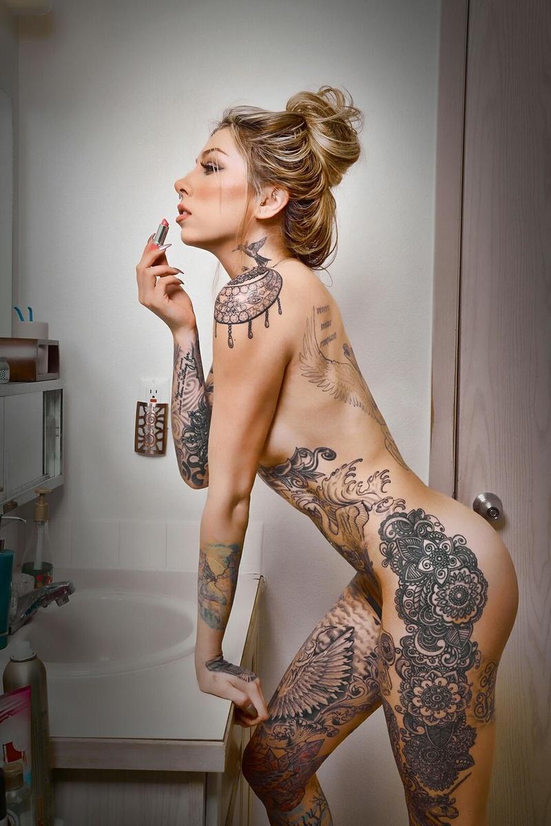 Female model photo shoot of _Ziggy_
