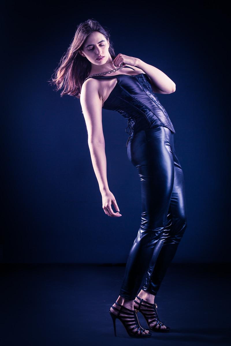 Female model photo shoot of idamayer by noel marrero