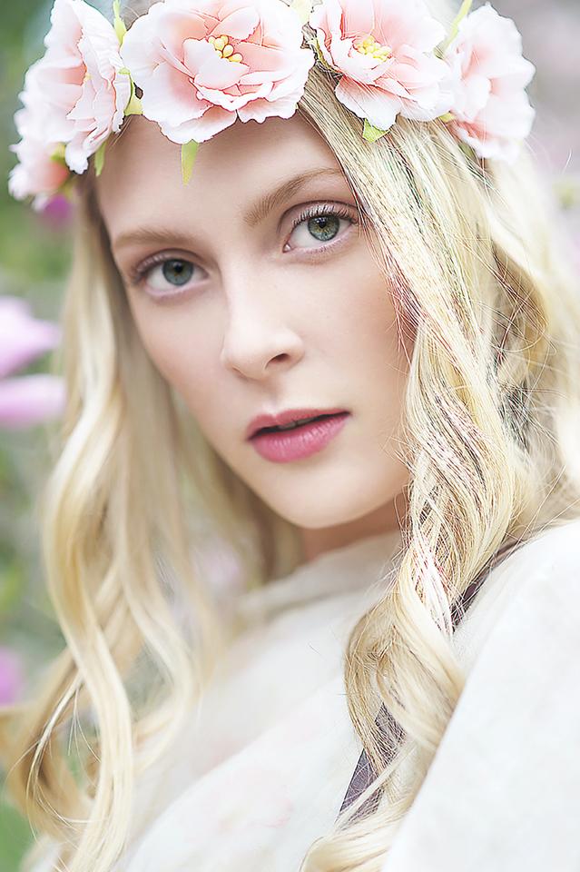 http://photos.modelmayhem.com/photos/161127/13/583b4be2d15d2.jpg