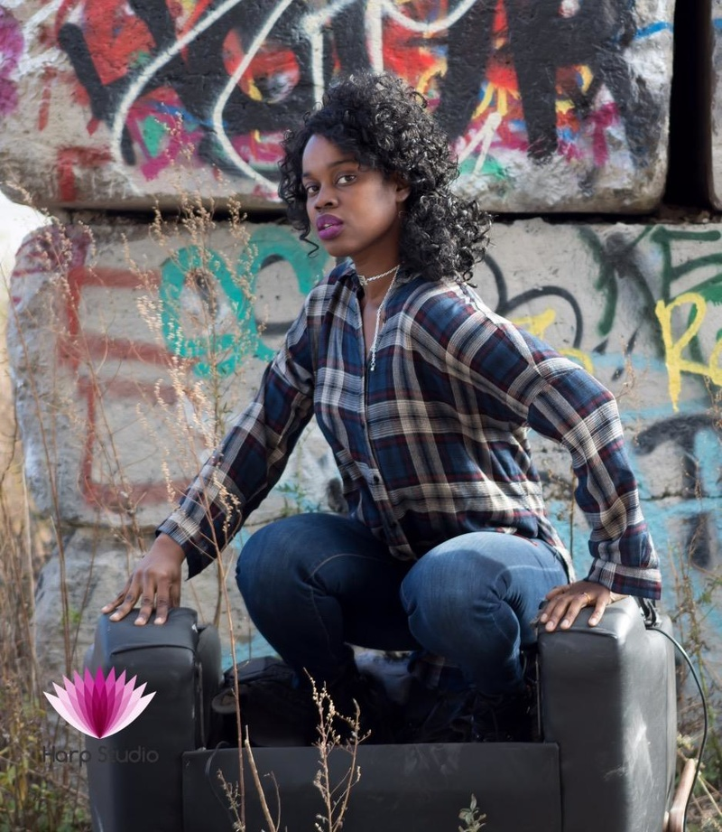 Female model photo shoot of sherley in Chicago