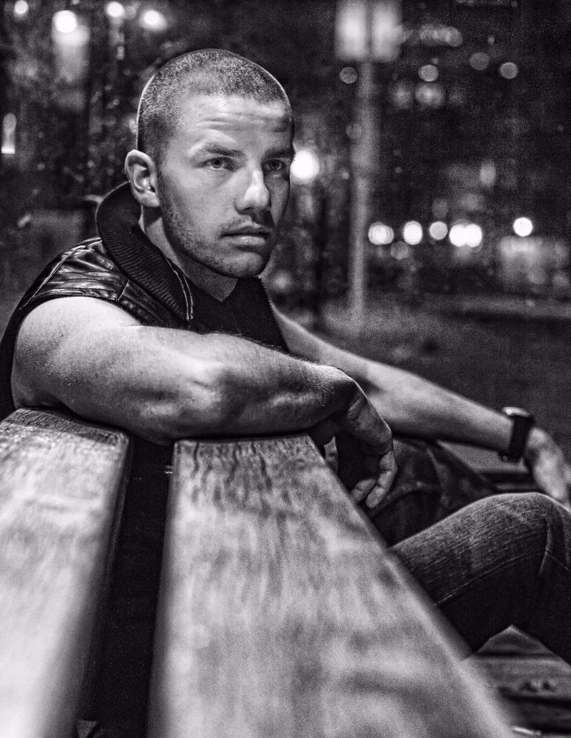 Male model photo shoot of Dejan Lunova