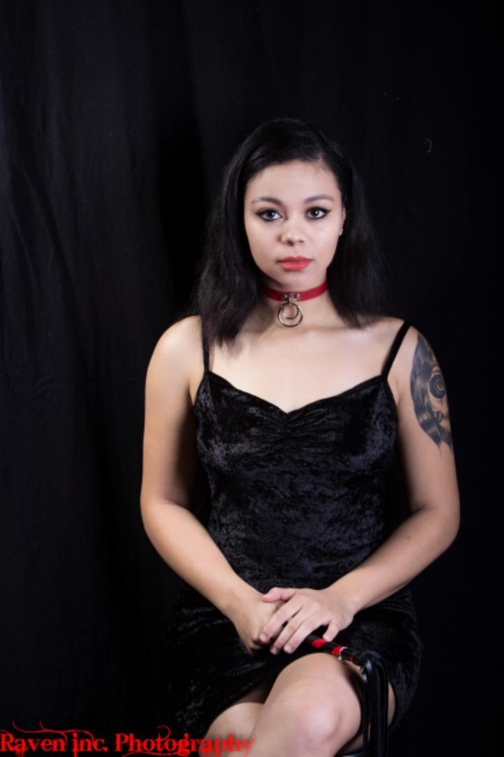 Female model photo shoot of Ms Parkman