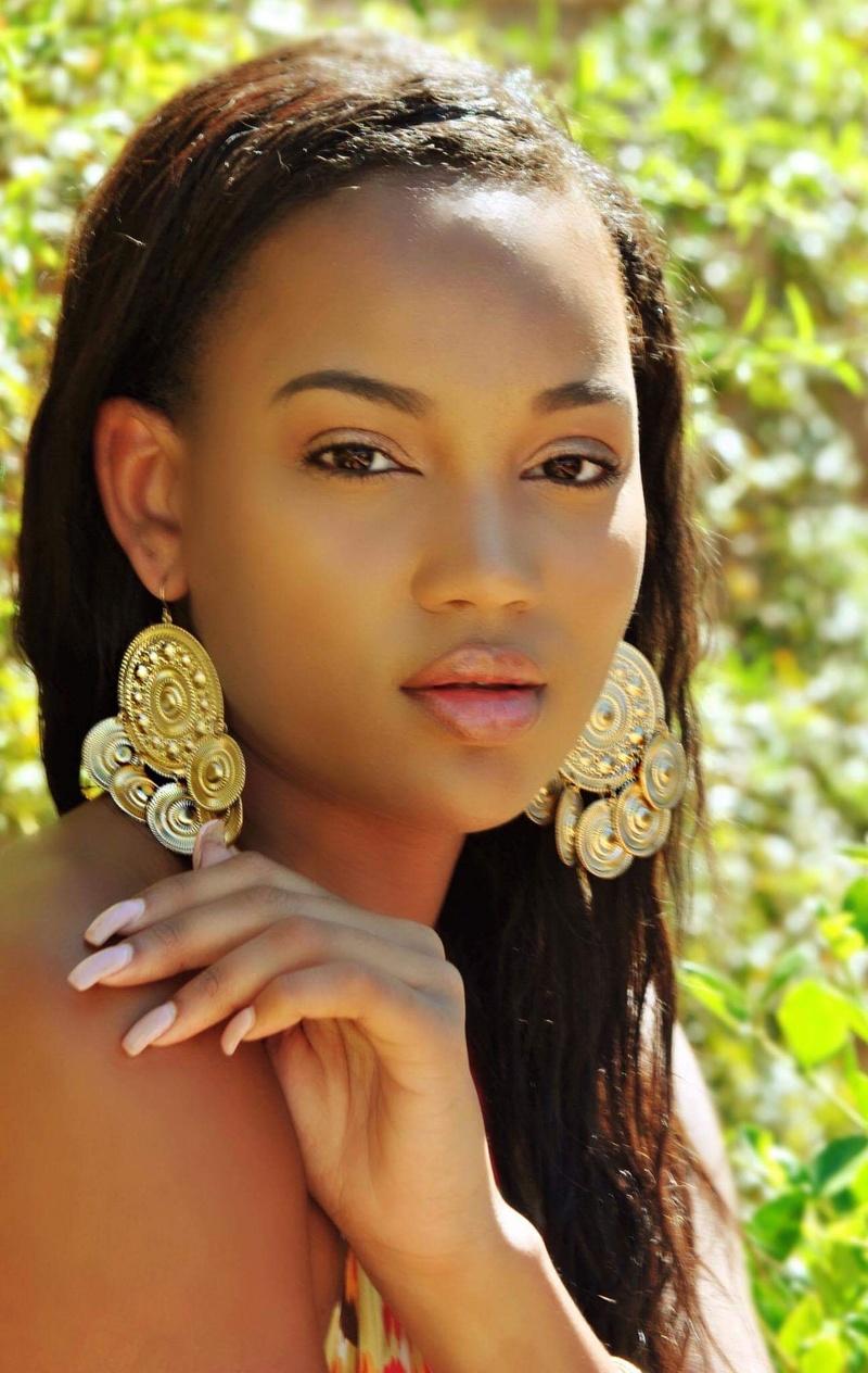 Female model photo shoot of Kiki M Scruggs in Las Vegas