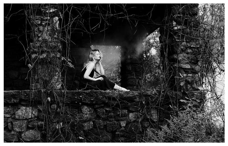 Female model photo shoot of MeredithMontgomery