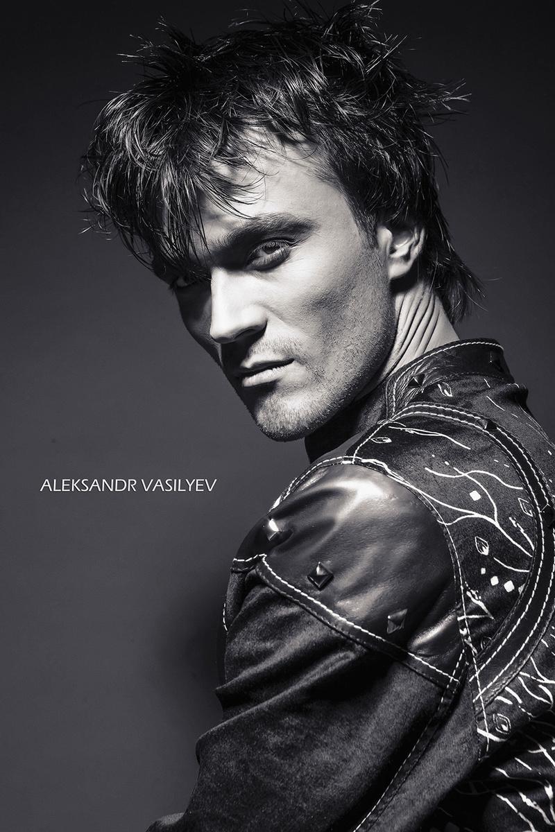 Male model photo shoot of Artemushek