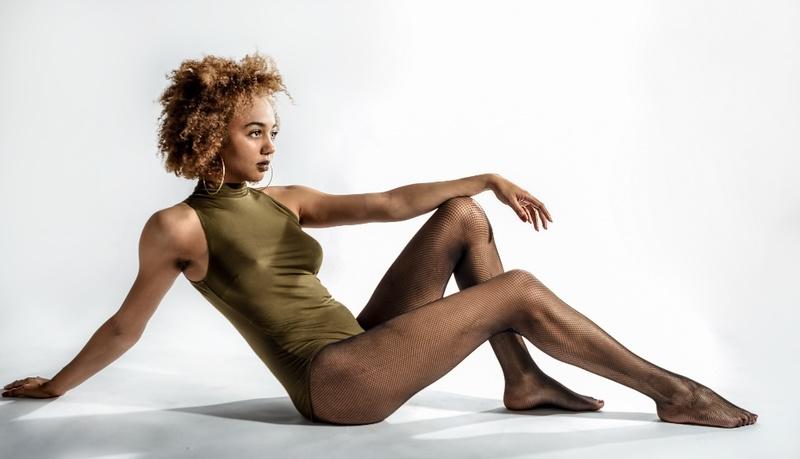 Female model photo shoot of susannasimone by LeeMcV