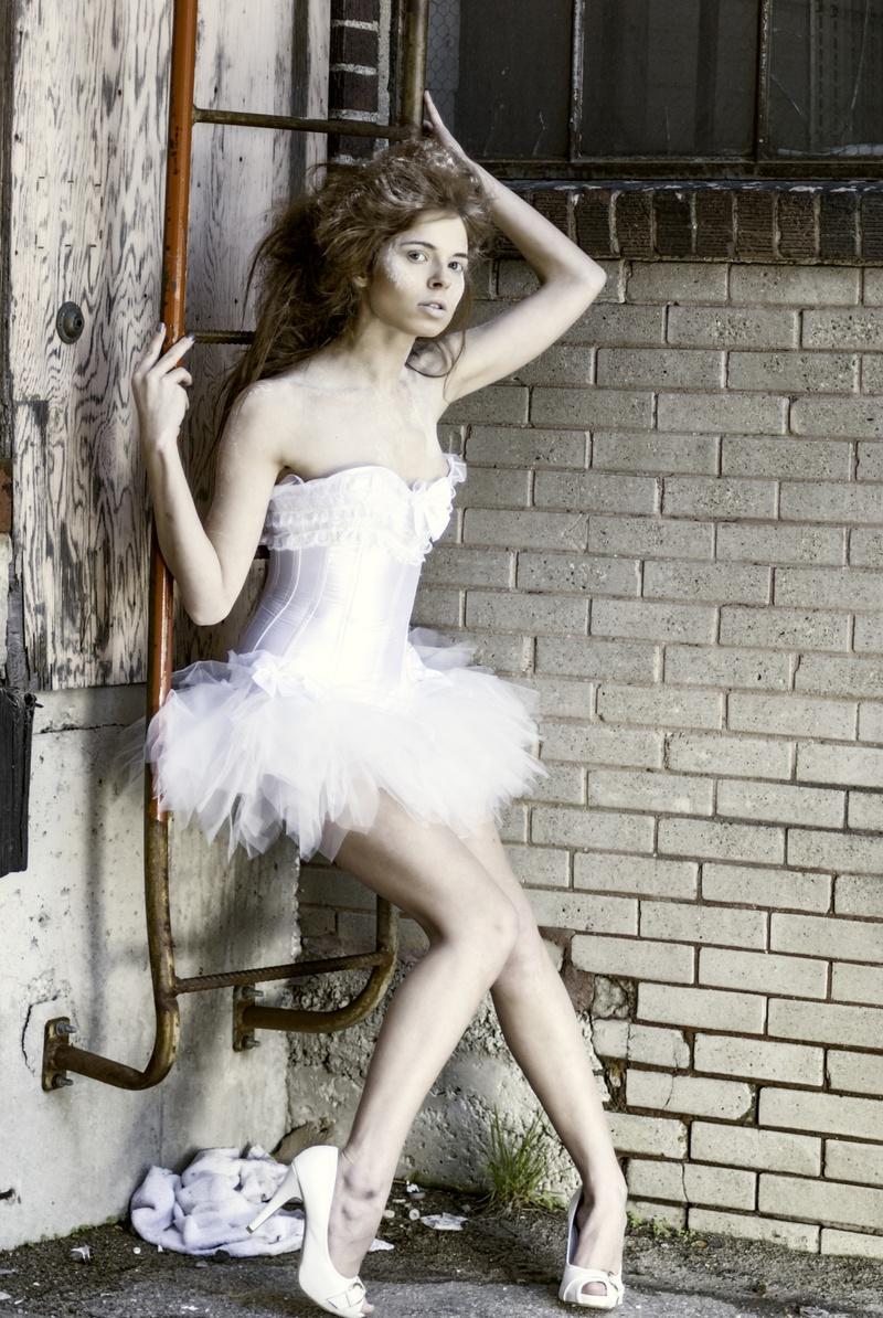 http://photos.modelmayhem.com/photos/170129/14/588e6ff992769.jpg