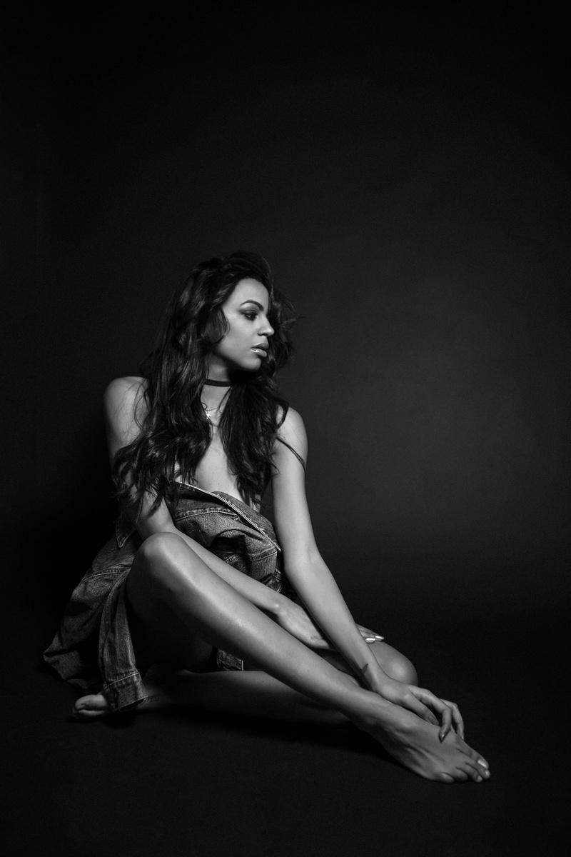 Female model photo shoot of michellebass