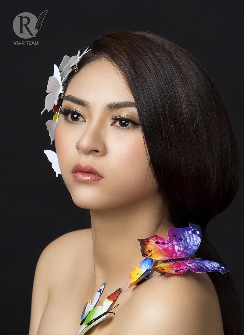 Female model photo shoot of nhunhuPy