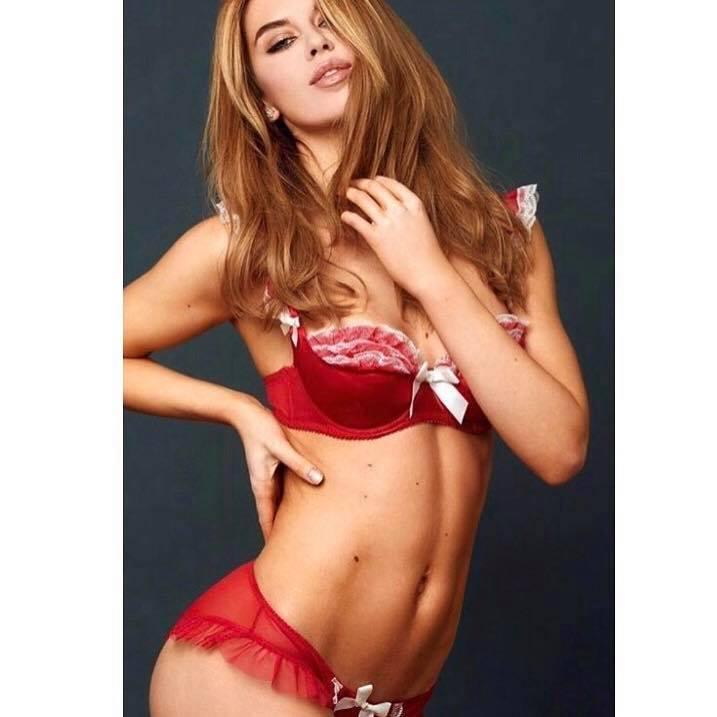 Female model photo shoot of Sophie larissa weiss