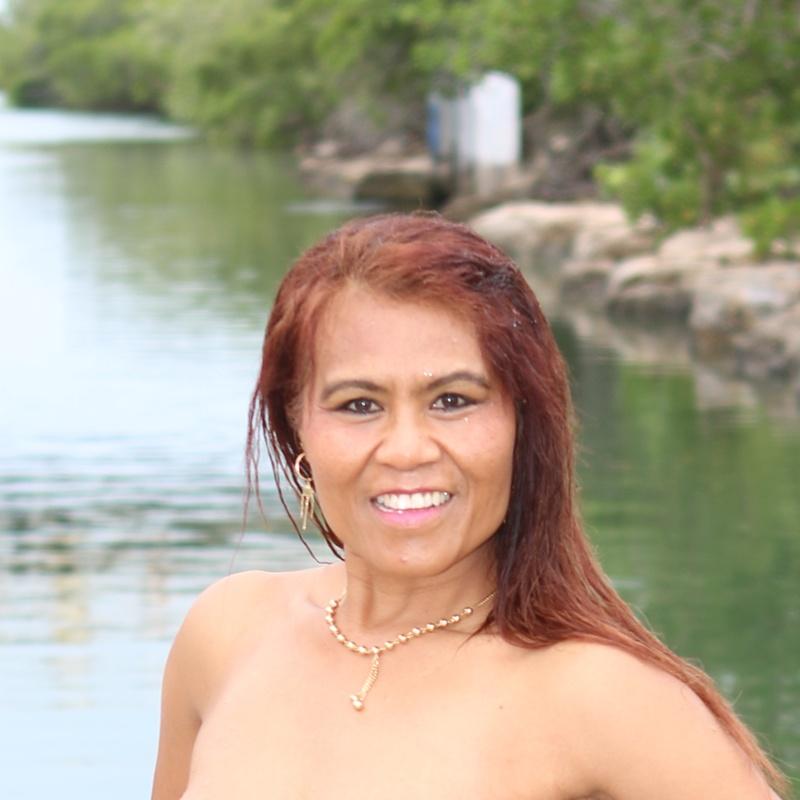 Female model photo shoot of Gina Gina