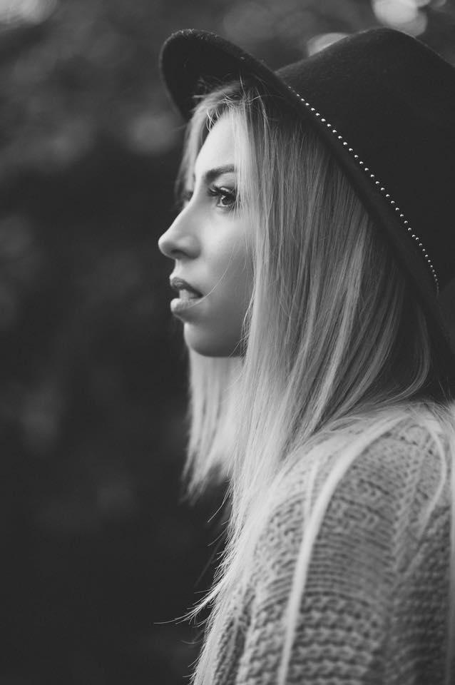 Female model photo shoot of oshanlillian