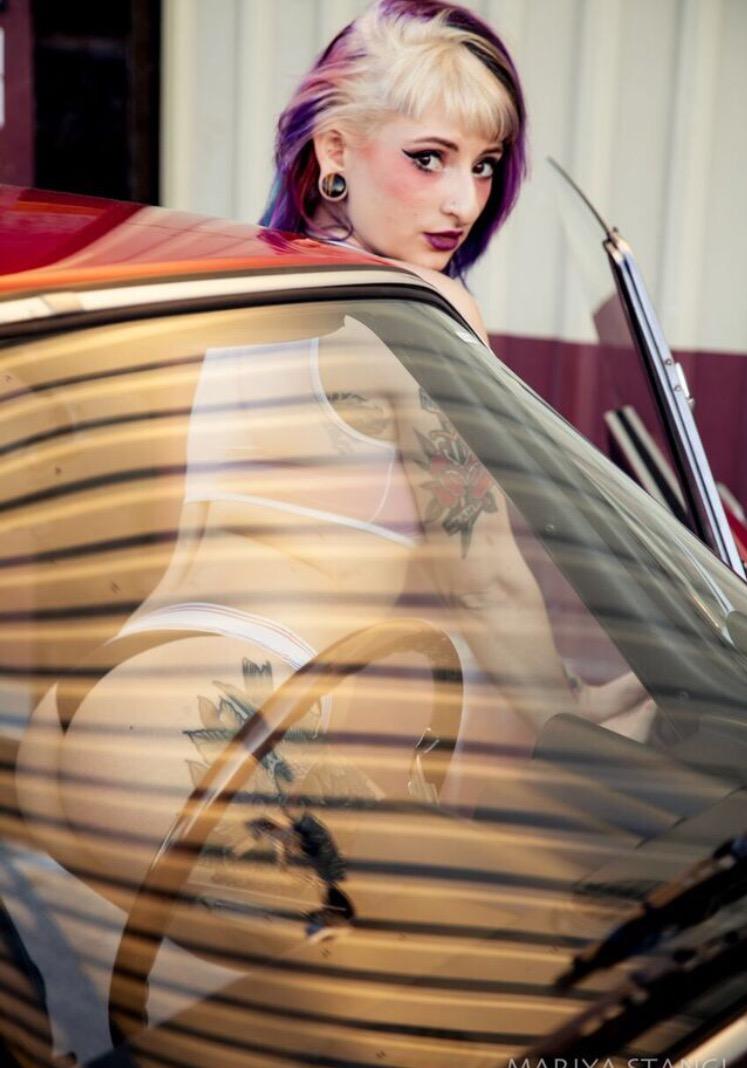 Female model photo shoot of Quin De La Rosa