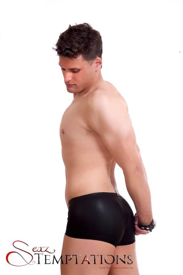 Male model photo shoot of Daimon4u