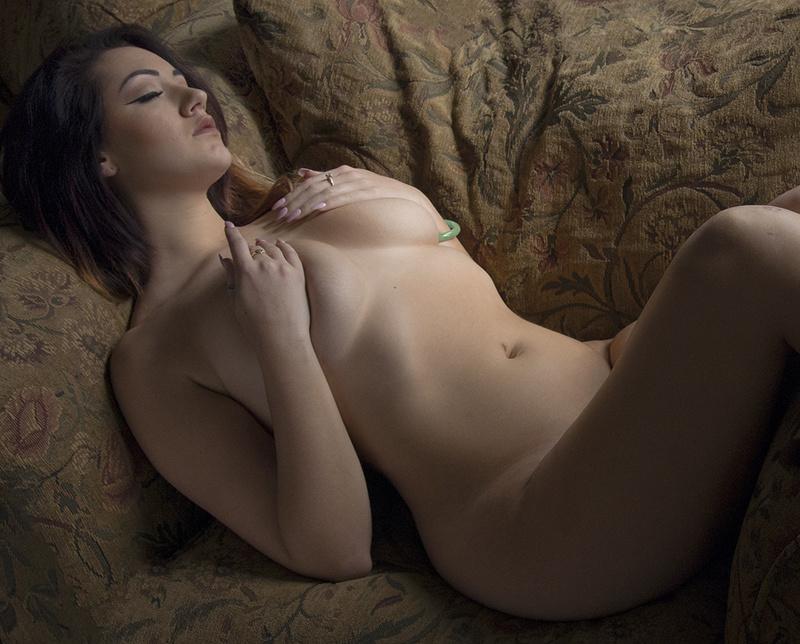 http://photos.modelmayhem.com/photos/170319/22/58cf680dcac4a.jpg