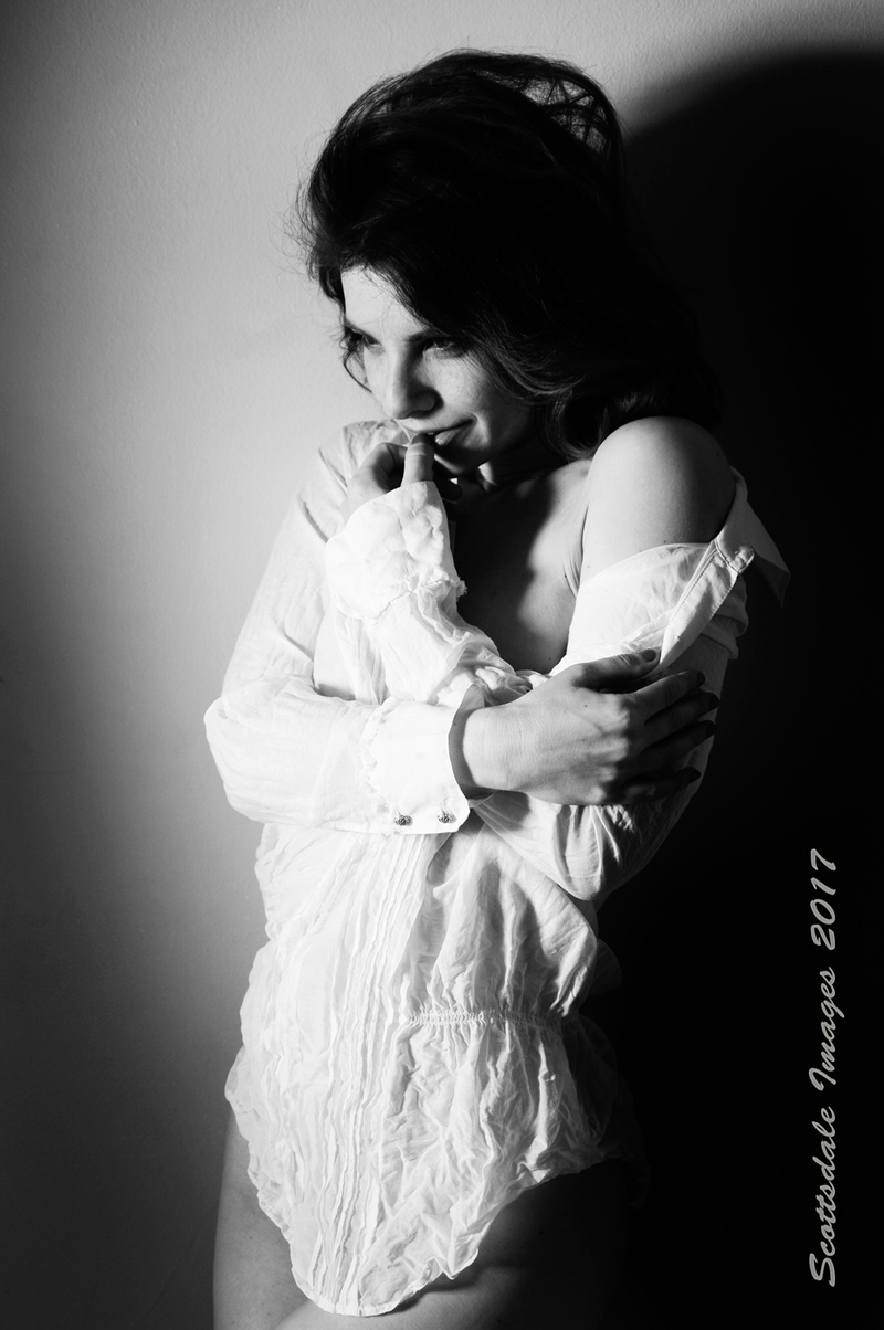 Male and Female model photo shoot of Scottsdale Images and Nathalia in Scottsdale AZ