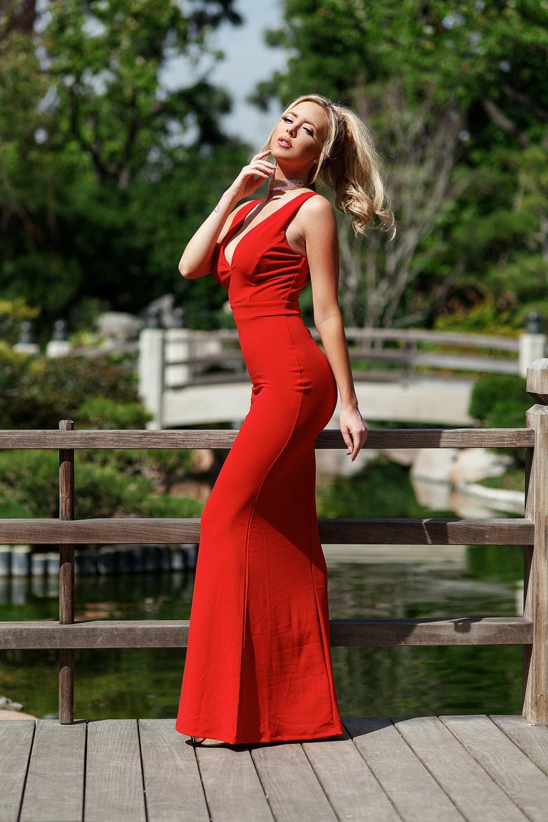 Female model photo shoot of Ashley Twomey
