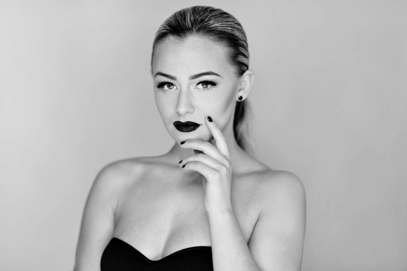 Female model photo shoot of carliermt in Toronto