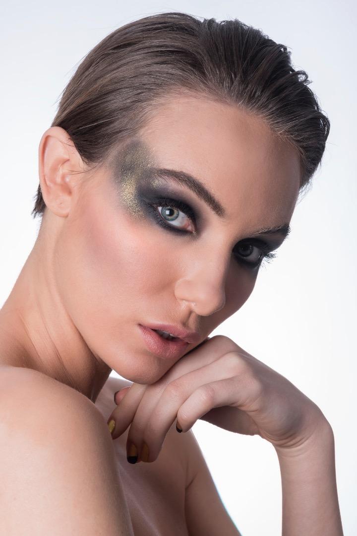 Male model photo shoot of Ben Dadali