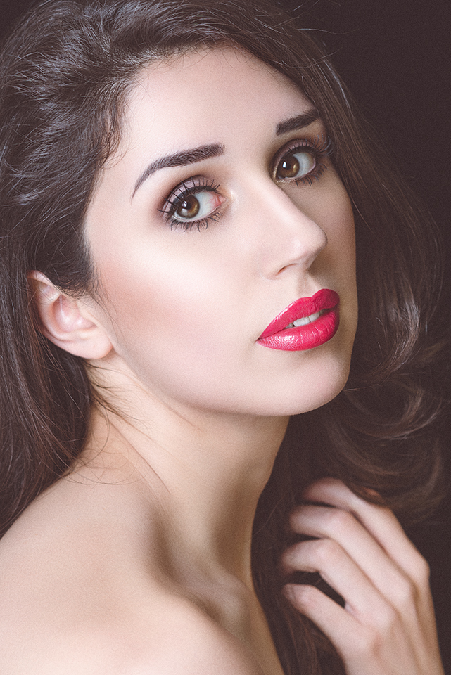 Female model photo shoot of Jade Eleanor