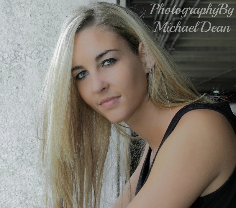 http://photos.modelmayhem.com/photos/170502/13/5908f04e0bf2b.jpg
