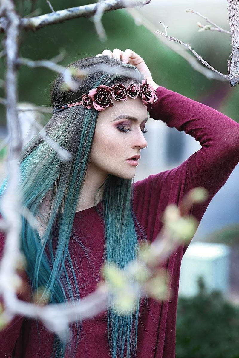 Female model photo shoot of Modestalamode
